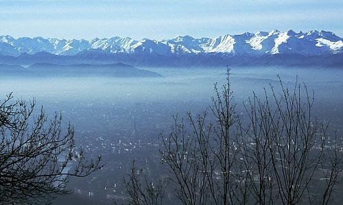 Questa metropoli è una camera a gas? Lo smog a Torino spiegato in 9 domande