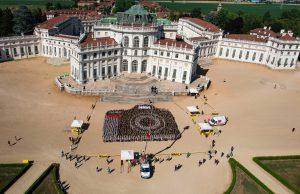 Reflex umana da record per festeggiare i 100 anni della Nikon